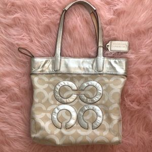 COACH CREAM/GOLD PURSE